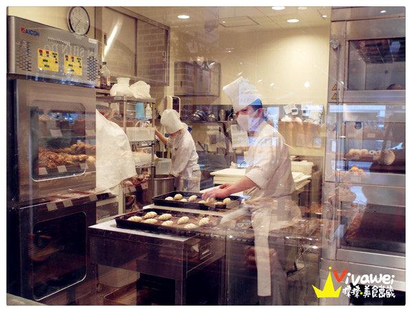 進進堂麵包店(三条河原町):日本京都府|早餐麵包藍無限吃到飽『進進堂麵包 (三条河原町) 』 Brunch 早午餐 不推薦 普通